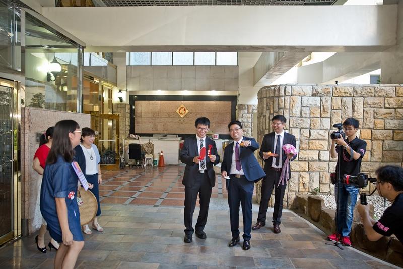 高雄婚攝克里@高雄漢來大飯店 儼修&凱葳 婚禮紀錄 饅頭爸團隊125.jpg