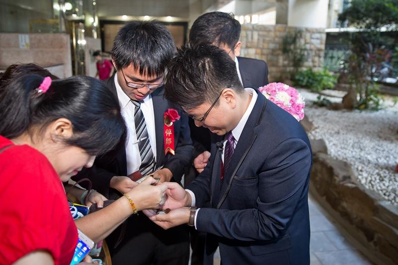 高雄婚攝克里@高雄漢來大飯店 儼修&凱葳 婚禮紀錄 饅頭爸團隊157.jpg