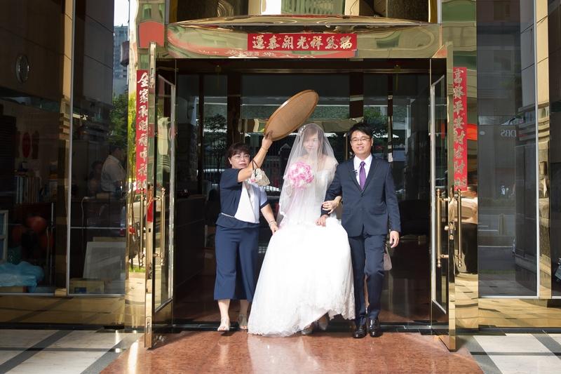 高雄婚攝克里@高雄漢來大飯店 儼修&凱葳 婚禮紀錄 饅頭爸團隊261.jpg
