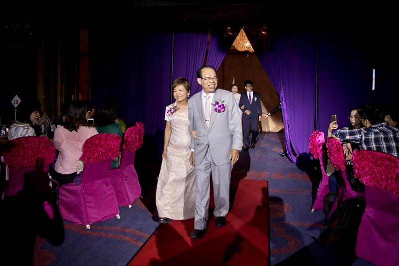 高雄婚攝克里@高雄漢來大飯店 儼修&凱葳 婚禮紀錄 饅頭爸團隊383.jpg