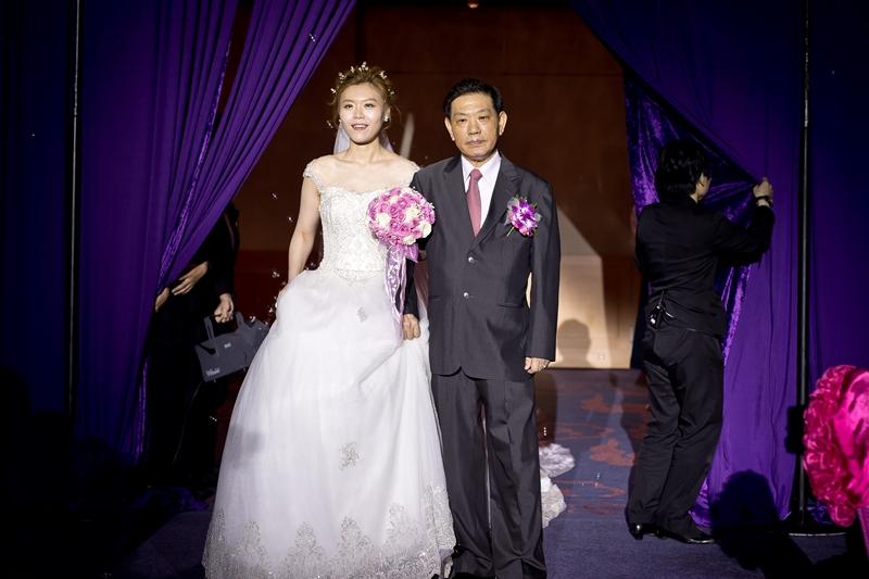 高雄婚攝克里@高雄漢來大飯店 儼修&凱葳 婚禮紀錄 饅頭爸團隊388.jpg