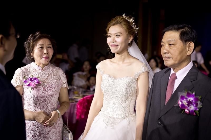 高雄婚攝克里@高雄漢來大飯店 儼修&凱葳 婚禮紀錄 饅頭爸團隊394.jpg