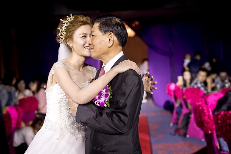 高雄婚攝克里@高雄漢來大飯店 儼修&凱葳 婚禮紀錄 饅頭爸團隊396.jpg