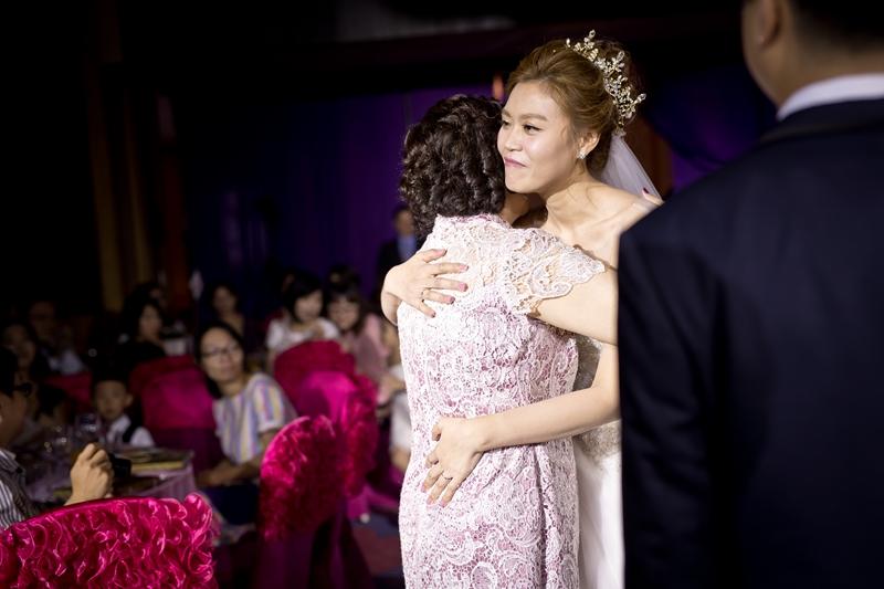 高雄婚攝克里@高雄漢來大飯店 儼修&凱葳 婚禮紀錄 饅頭爸團隊399.jpg