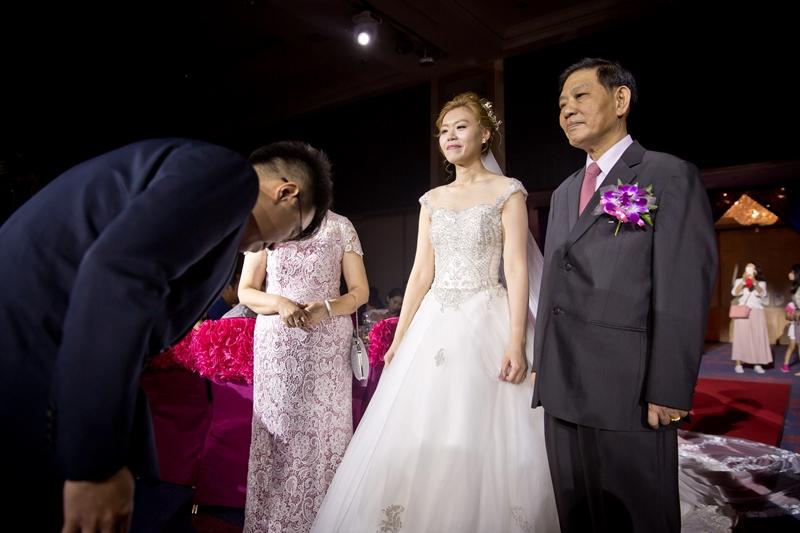 高雄婚攝克里@高雄漢來大飯店 儼修&凱葳 婚禮紀錄 饅頭爸團隊401.jpg