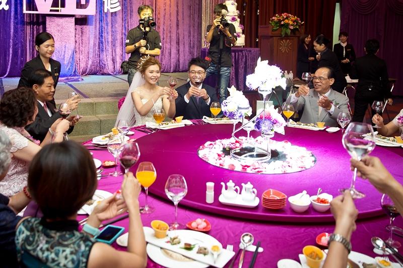 高雄婚攝克里@高雄漢來大飯店 儼修&凱葳 婚禮紀錄 饅頭爸團隊423.jpg