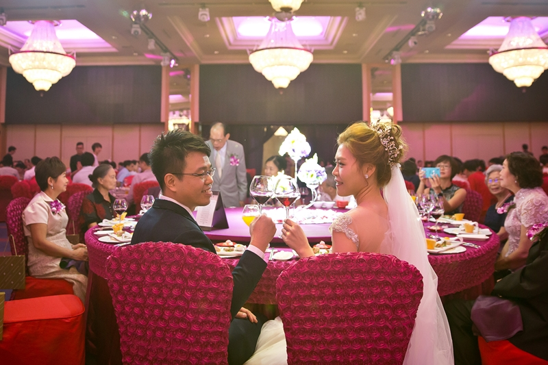 高雄婚攝克里@高雄漢來大飯店 儼修&凱葳 婚禮紀錄 饅頭爸團隊425.jpg