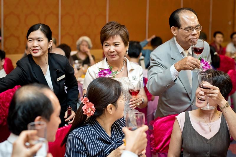 高雄婚攝克里@高雄漢來大飯店 儼修&凱葳 婚禮紀錄 饅頭爸團隊523.jpg