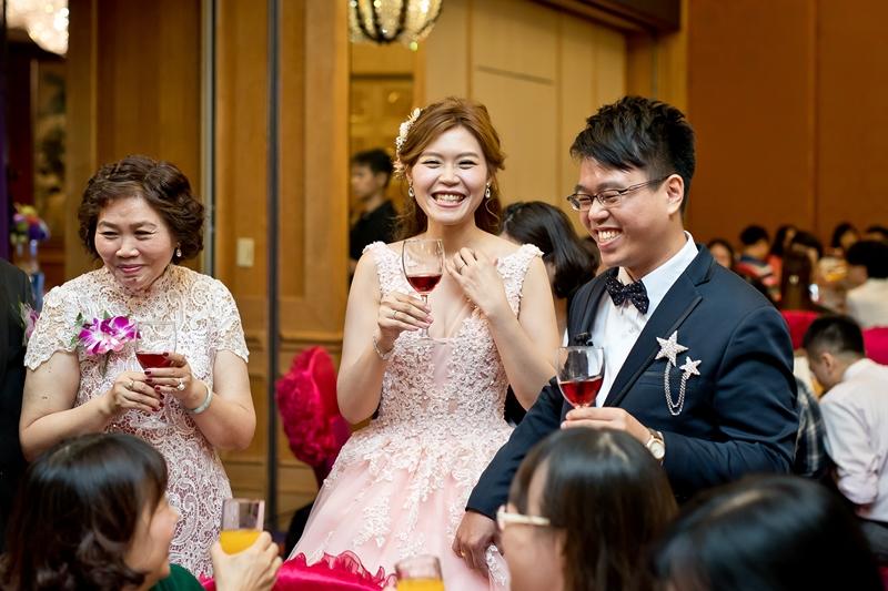 高雄婚攝克里@高雄漢來大飯店 儼修&凱葳 婚禮紀錄 饅頭爸團隊560.jpg