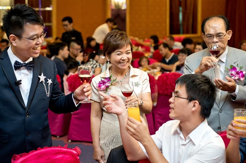 高雄婚攝克里@高雄漢來大飯店 儼修&凱葳 婚禮紀錄 饅頭爸團隊563.jpg