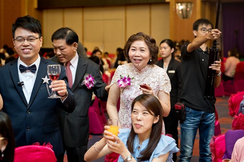 高雄婚攝克里@高雄漢來大飯店 儼修&凱葳 婚禮紀錄 饅頭爸團隊579.jpg