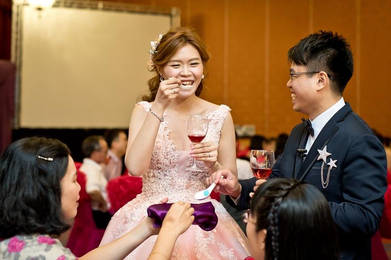 高雄婚攝克里@高雄漢來大飯店 儼修&凱葳 婚禮紀錄 饅頭爸團隊587.jpg