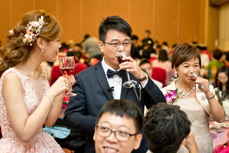 高雄婚攝克里@高雄漢來大飯店 儼修&凱葳 婚禮紀錄 饅頭爸團隊609.jpg