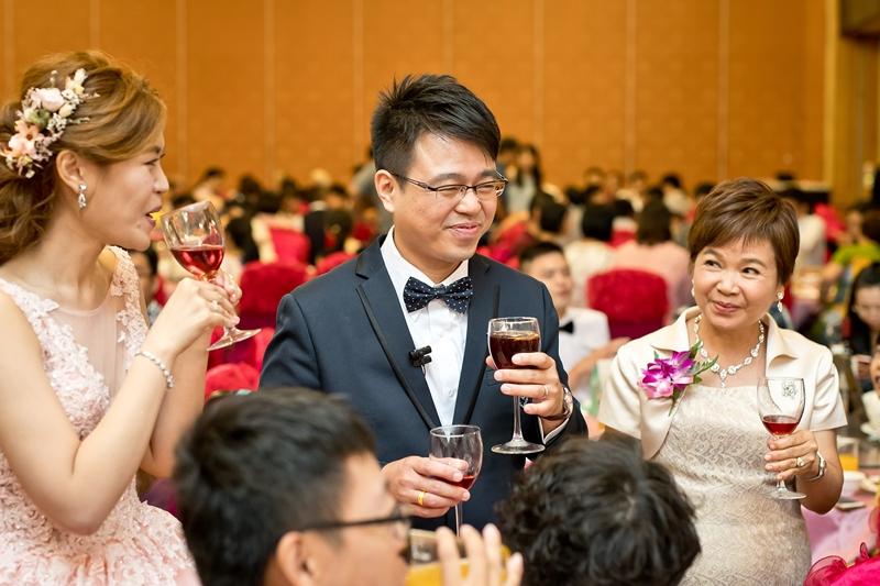 高雄婚攝克里@高雄漢來大飯店 儼修&凱葳 婚禮紀錄 饅頭爸團隊610.jpg