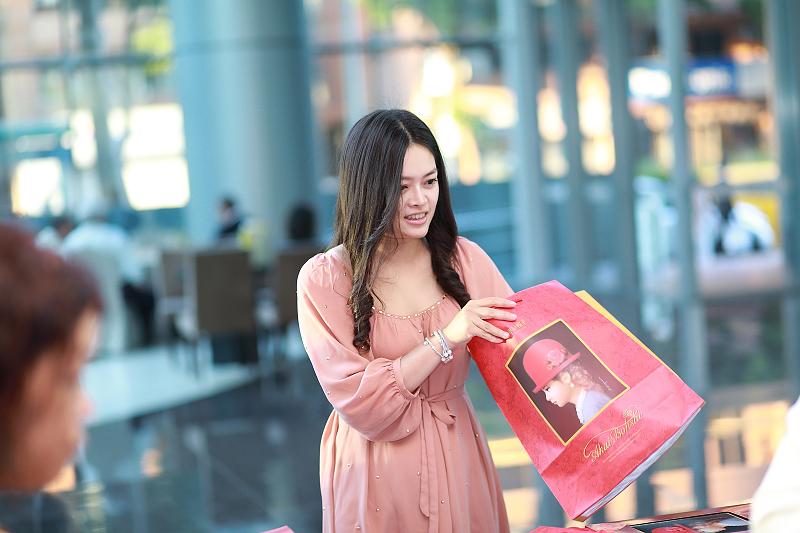 台北婚攝小游@晶宴民生館 讓與涵 婚宴紀錄 饅頭爸團隊1028_Blog_005.jpg