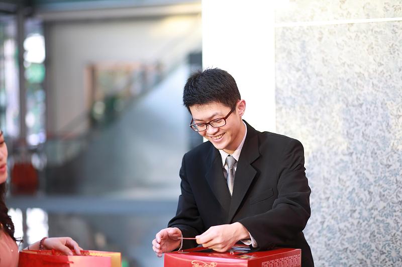 台北婚攝小游@晶宴民生館 讓與涵 婚宴紀錄 饅頭爸團隊1028_Blog_006.jpg