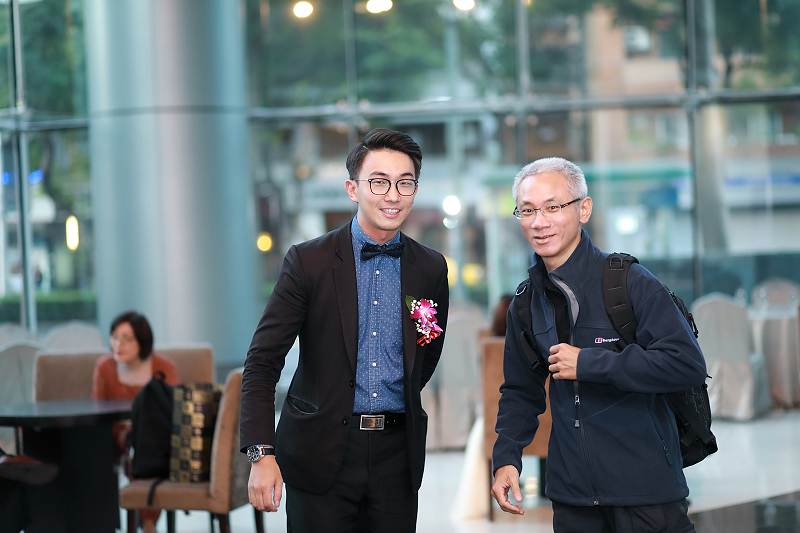 台北婚攝小游@晶宴民生館 讓與涵 婚宴紀錄 饅頭爸團隊1028_Blog_009.jpg