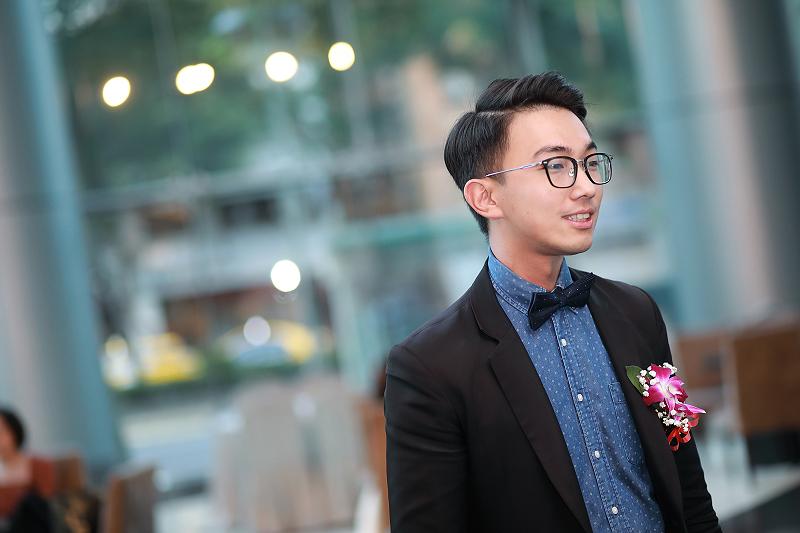 台北婚攝小游@晶宴民生館 讓與涵 婚宴紀錄 饅頭爸團隊1028_Blog_010.jpg
