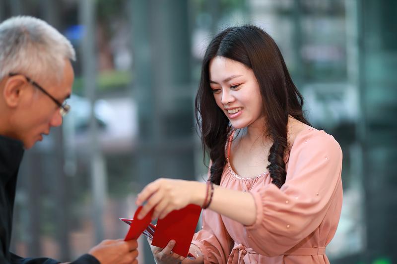 台北婚攝小游@晶宴民生館 讓與涵 婚宴紀錄 饅頭爸團隊1028_Blog_011.jpg