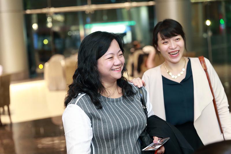 台北婚攝小游@晶宴民生館 讓與涵 婚宴紀錄 饅頭爸團隊1028_Blog_016.jpg