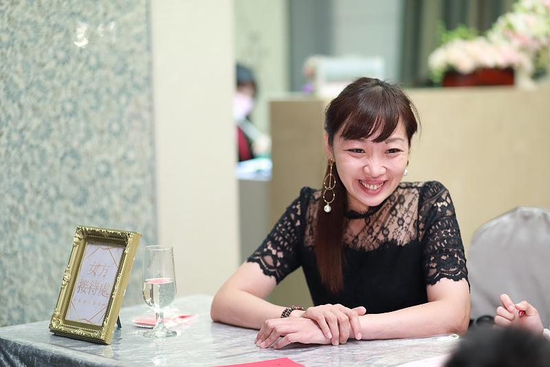 台北婚攝小游@晶宴民生館 讓與涵 婚宴紀錄 饅頭爸團隊1028_Blog_024.jpg