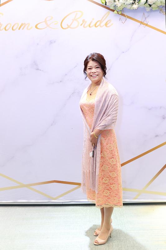 台北婚攝小游@晶宴民生館 讓與涵 婚宴紀錄 饅頭爸團隊1028_Blog_033.jpg