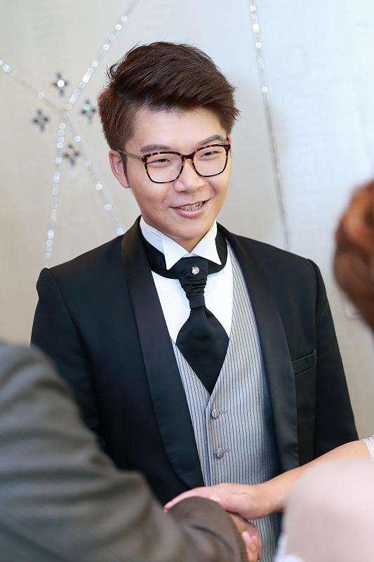 台北婚攝小游@晶宴民生館 讓與涵 婚宴紀錄 饅頭爸團隊1028_Blog_039.jpg
