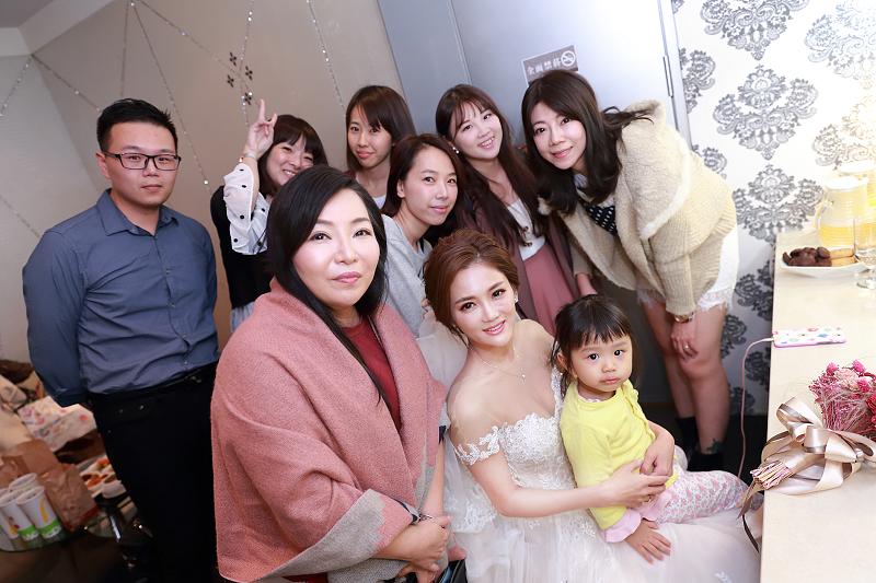 台北婚攝小游@晶宴民生館 讓與涵 婚宴紀錄 饅頭爸團隊1028_Blog_043.jpg