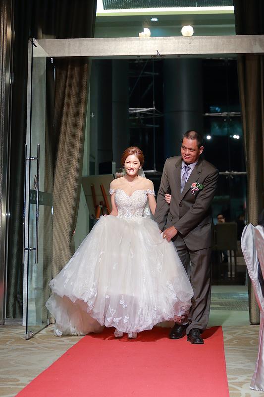 台北婚攝小游@晶宴民生館 讓與涵 婚宴紀錄 饅頭爸團隊1028_Blog_058.jpg