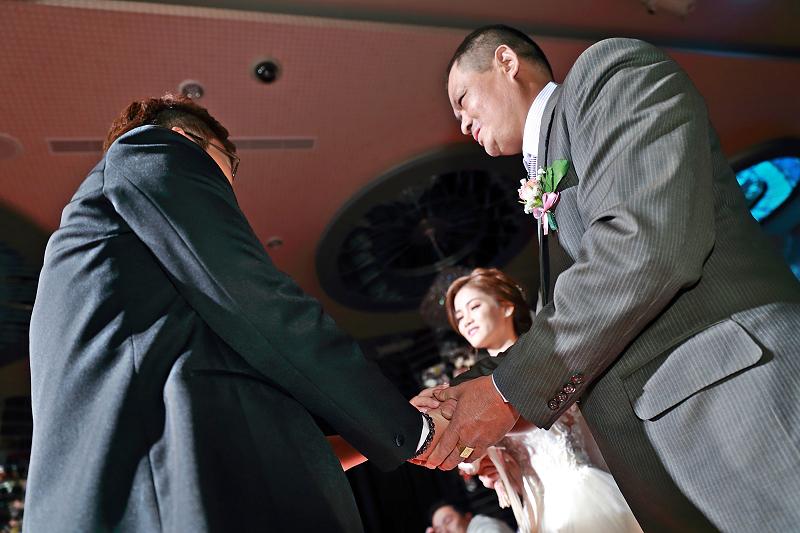 台北婚攝小游@晶宴民生館 讓與涵 婚宴紀錄 饅頭爸團隊1028_Blog_061.jpg