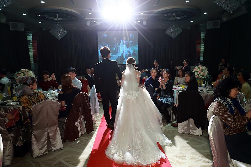 台北婚攝小游@晶宴民生館 讓與涵 婚宴紀錄 饅頭爸團隊1028_Blog_064.jpg