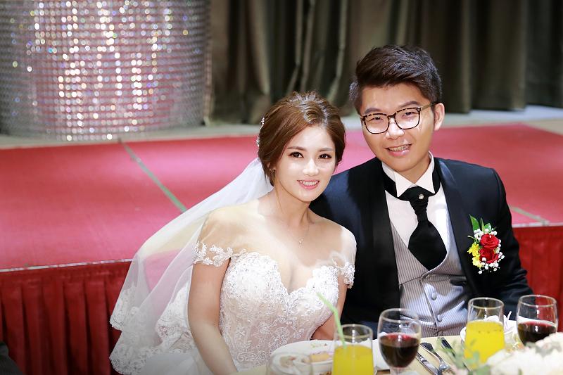 台北婚攝小游@晶宴民生館 讓與涵 婚宴紀錄 饅頭爸團隊1028_Blog_074.jpg