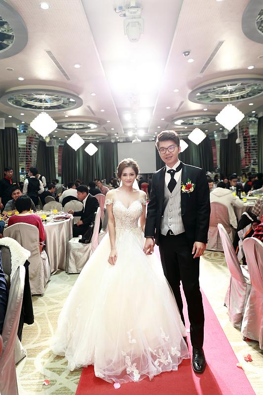 台北婚攝小游@晶宴民生館 讓與涵 婚宴紀錄 饅頭爸團隊1028_Blog_079.jpg