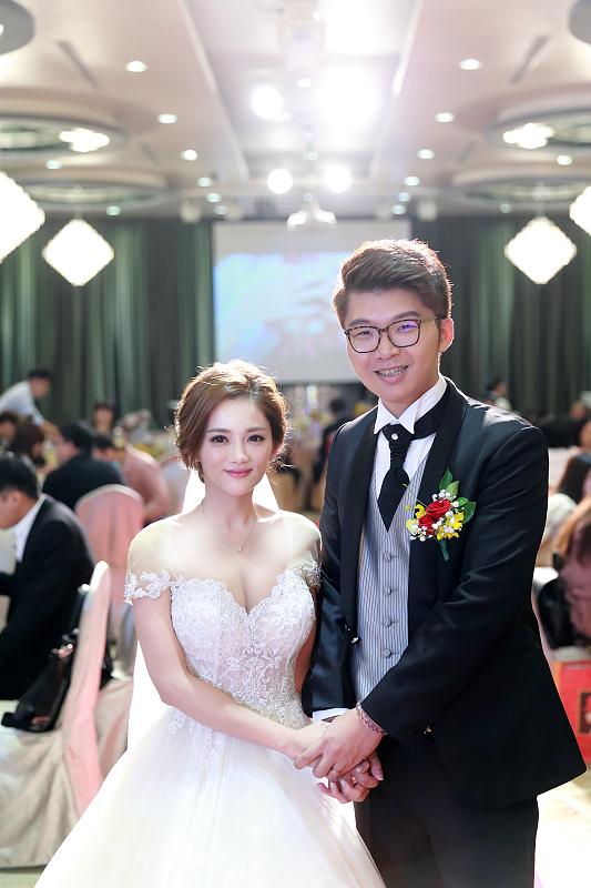 台北婚攝小游@晶宴民生館 讓與涵 婚宴紀錄 饅頭爸團隊1028_Blog_080.jpg
