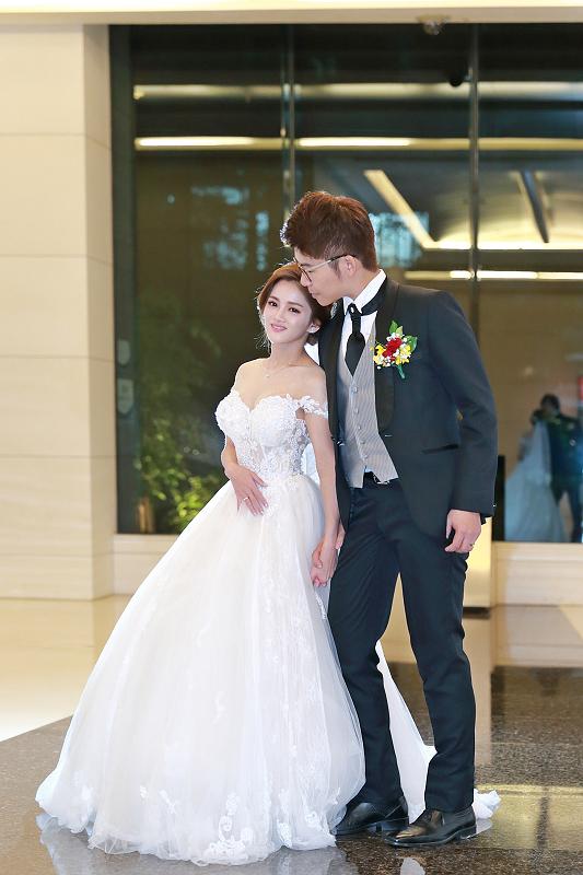 台北婚攝小游@晶宴民生館 讓與涵 婚宴紀錄 饅頭爸團隊1028_Blog_083.jpg
