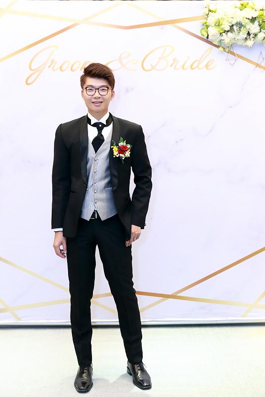台北婚攝小游@晶宴民生館 讓與涵 婚宴紀錄 饅頭爸團隊1028_Blog_084.jpg