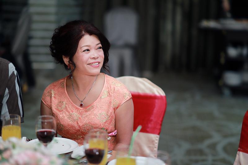 台北婚攝小游@晶宴民生館 讓與涵 婚宴紀錄 饅頭爸團隊1028_Blog_092.jpg