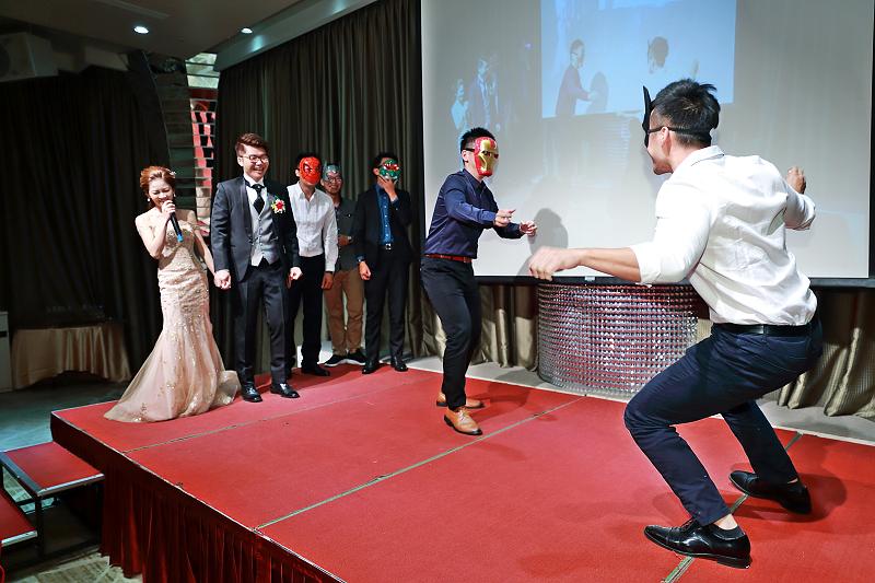 台北婚攝小游@晶宴民生館 讓與涵 婚宴紀錄 饅頭爸團隊1028_Blog_125.jpg