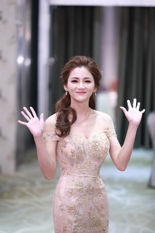 台北婚攝小游@晶宴民生館 讓與涵 婚宴紀錄 饅頭爸團隊1028_Blog_136.jpg