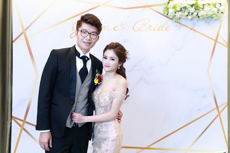 台北婚攝小游@晶宴民生館 讓與涵 婚宴紀錄 饅頭爸團隊1028_Blog_138.jpg