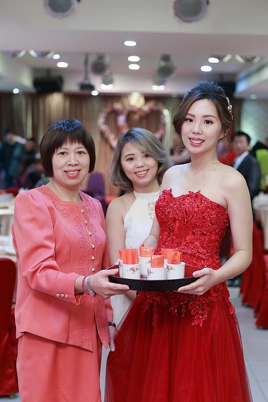 台北婚攝小游@全家福 創與玉文訂婚宴紀錄 饅頭爸團隊0127_Blog_023.JPG
