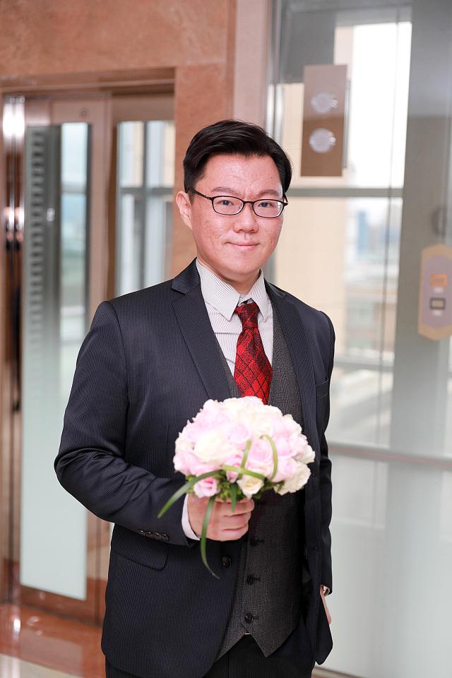 台北婚攝小游@新莊新莊翰品 恩與倫訂結婚宴紀錄 饅頭爸團隊0323_Blog_0052.jpg