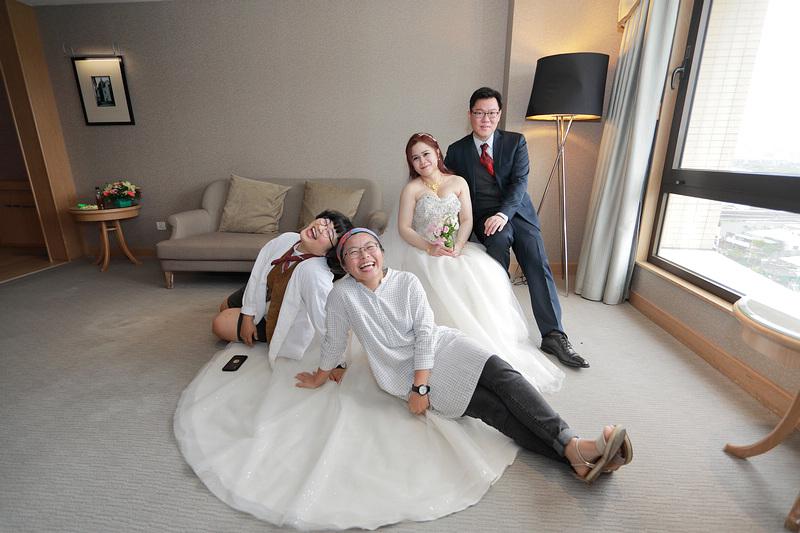台北婚攝小游@新莊新莊翰品 恩與倫訂結婚宴紀錄 饅頭爸團隊0323_Blog_0075.jpg