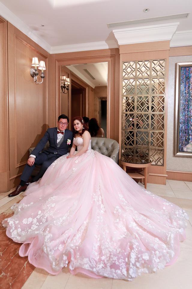 台北婚攝小游@新莊新莊翰品 恩與倫訂結婚宴紀錄 饅頭爸團隊0323_Blog_0153.jpg