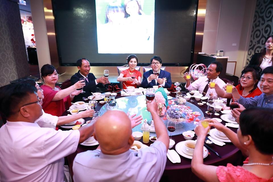 台北婚攝小游@蘆洲富基時尚婚宴會館 龍與憶文定紀錄 饅頭爸團隊0602_Blog_075.jpg