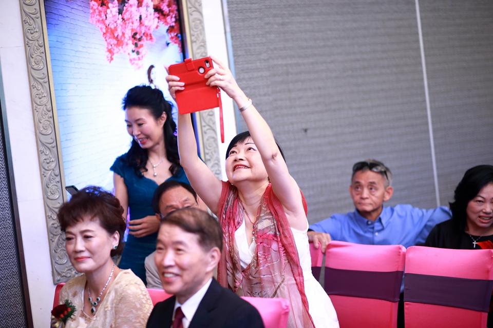 台北婚攝小游@維多麗亞 廷與雯婚禮紀錄 饅頭爸團隊0615_Blog_033.jpg