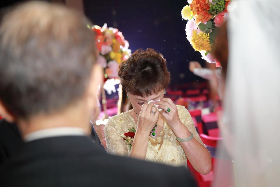 台北婚攝小游@維多麗亞 廷與雯婚禮紀錄 饅頭爸團隊0615_Blog_065.JPG