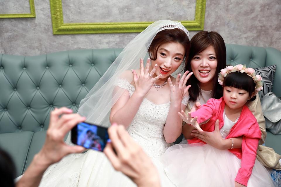 台北婚攝小游@維多麗亞 廷與雯婚禮紀錄 饅頭爸團隊0615_Blog_075.JPG