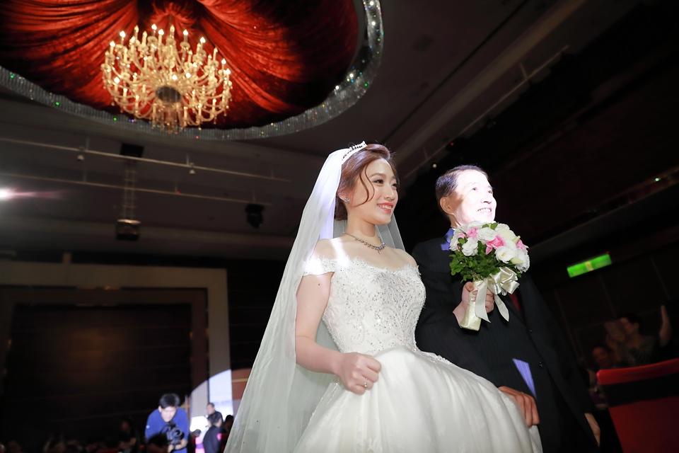 台北婚攝小游@維多麗亞 廷與雯婚禮紀錄 饅頭爸團隊0615_Blog_102.JPG