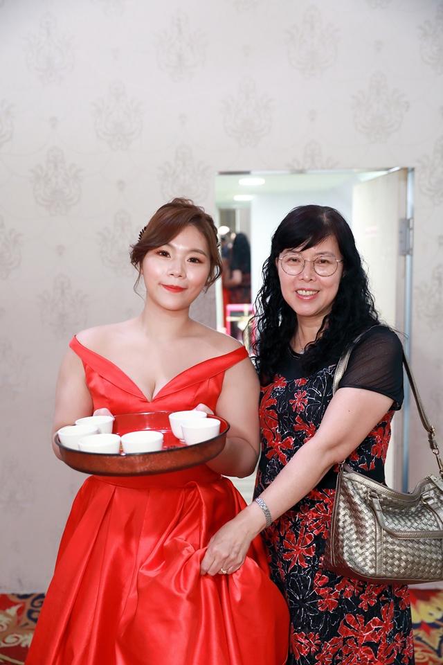 台北婚攝小游@基隆港海產樓 倫與艷婚禮紀錄 饅頭爸團隊0616_Blog_011.JPG
